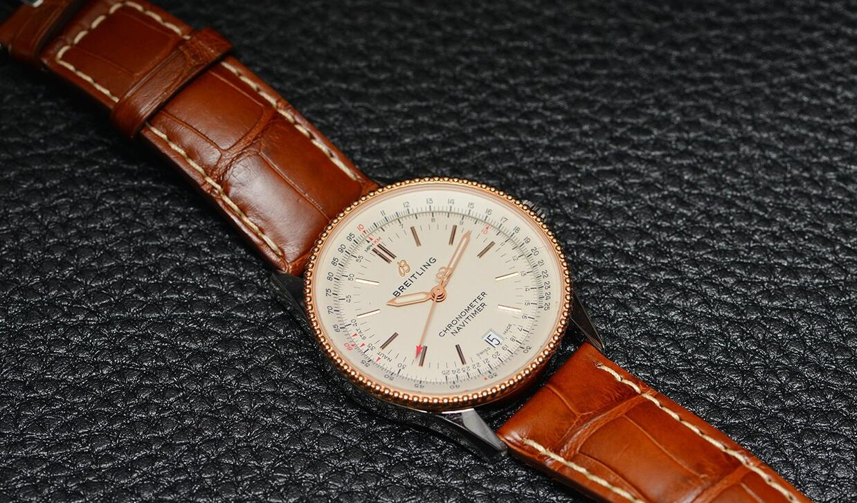 The red gold hands, red pointer as well the red gold hour markers set on the silver dial make it legibility.