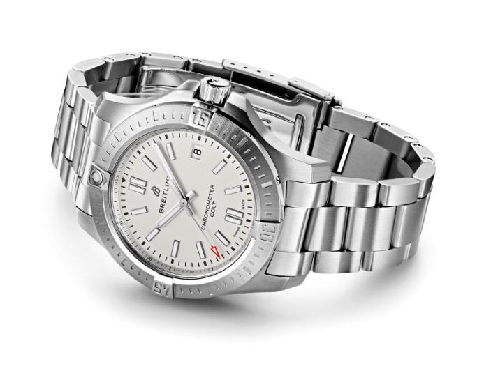 The male replica watches are sturdy.